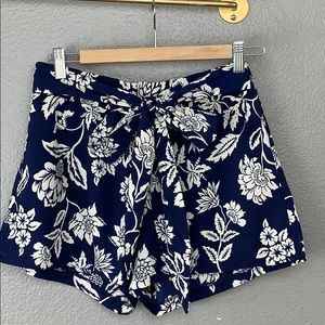 Floral Print Tie Tap Shorts